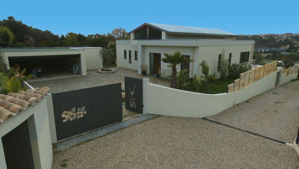 Maison à vendre 4 383m2 à Vence vignette-1