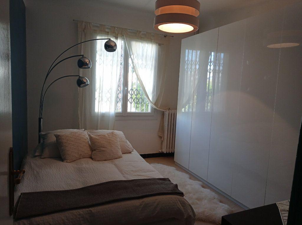 Maison à vendre 8 210m2 à Saint-Laurent-du-Var vignette-4