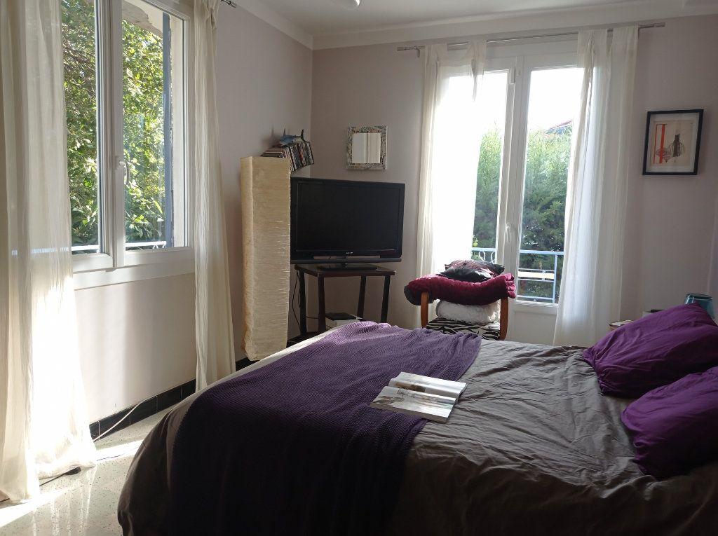Maison à vendre 8 210m2 à Saint-Laurent-du-Var vignette-5