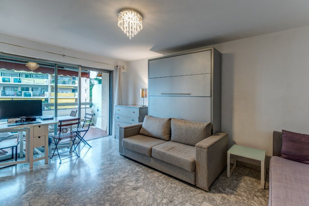 Appartement à vendre 1 29m2 à Nice vignette-3