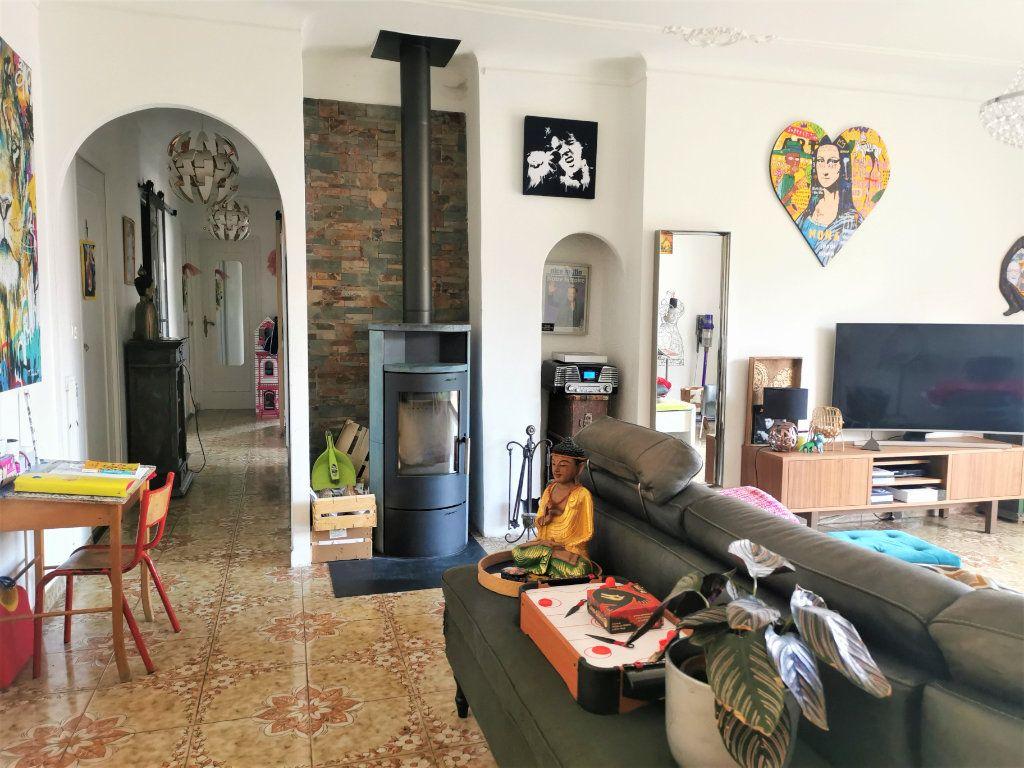 Maison à vendre 6 210m2 à Castagniers vignette-5