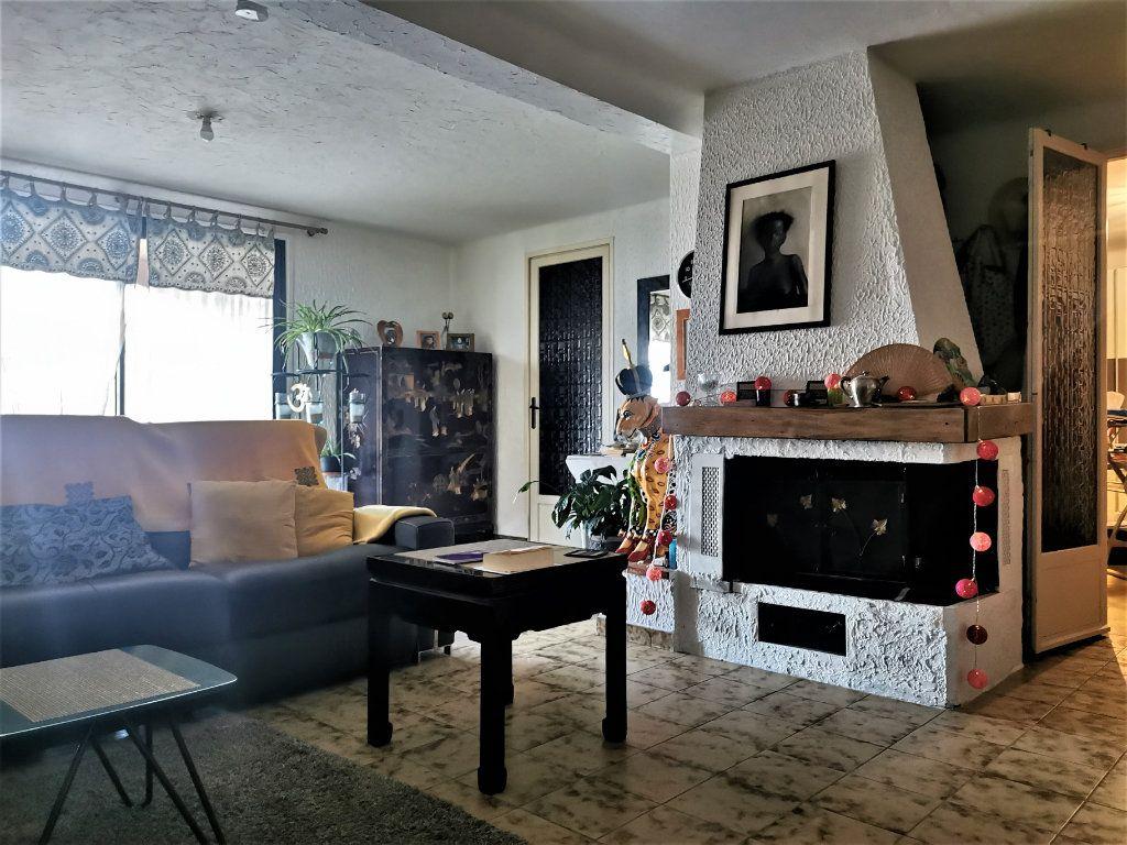 Maison à vendre 6 210m2 à Castagniers vignette-11