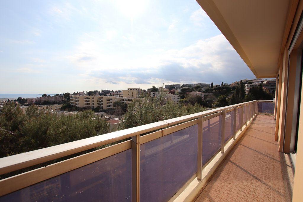 Appartement à vendre 5 131m2 à Nice vignette-2