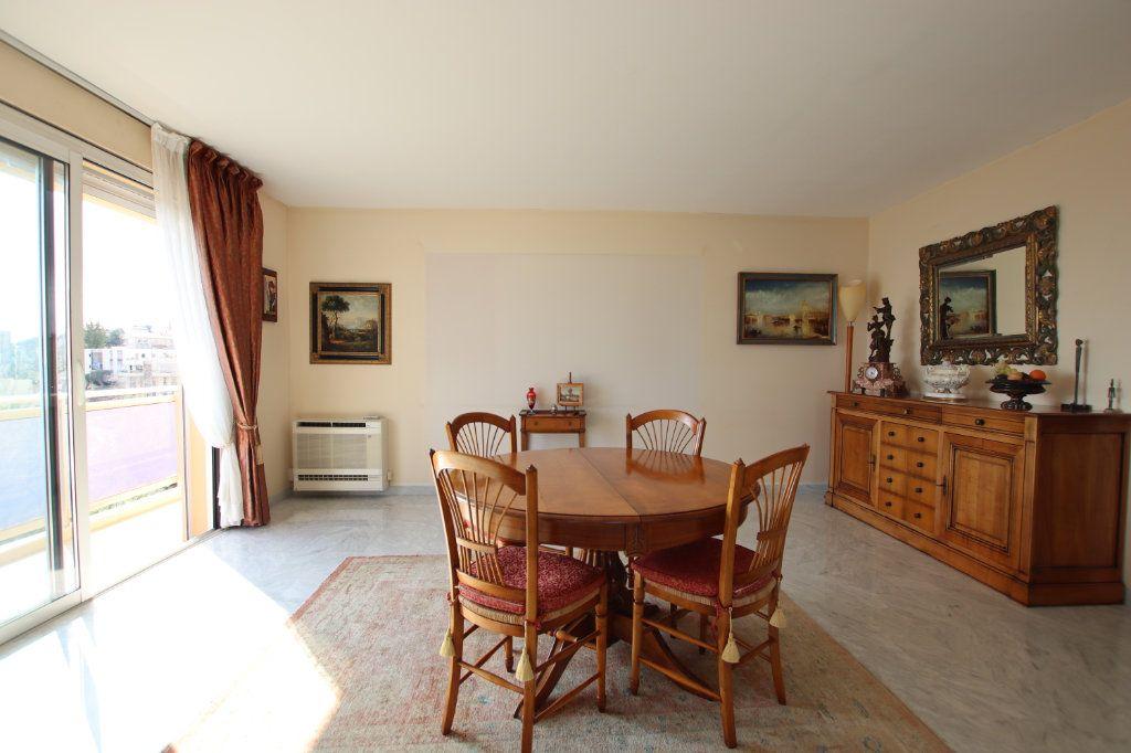 Appartement à vendre 5 131m2 à Nice vignette-5