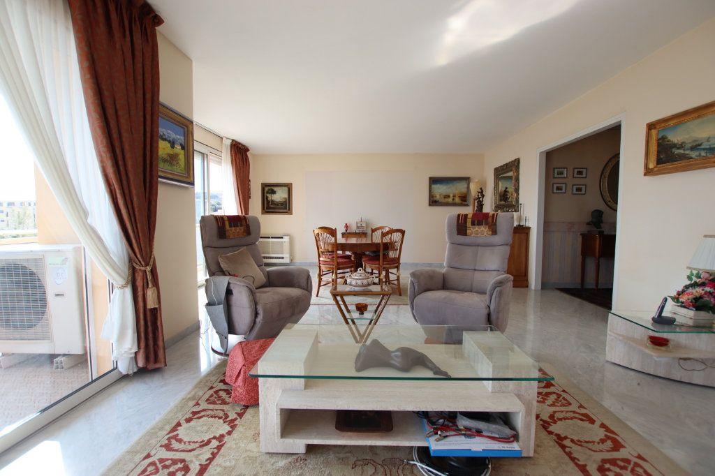 Appartement à vendre 5 131m2 à Nice vignette-8