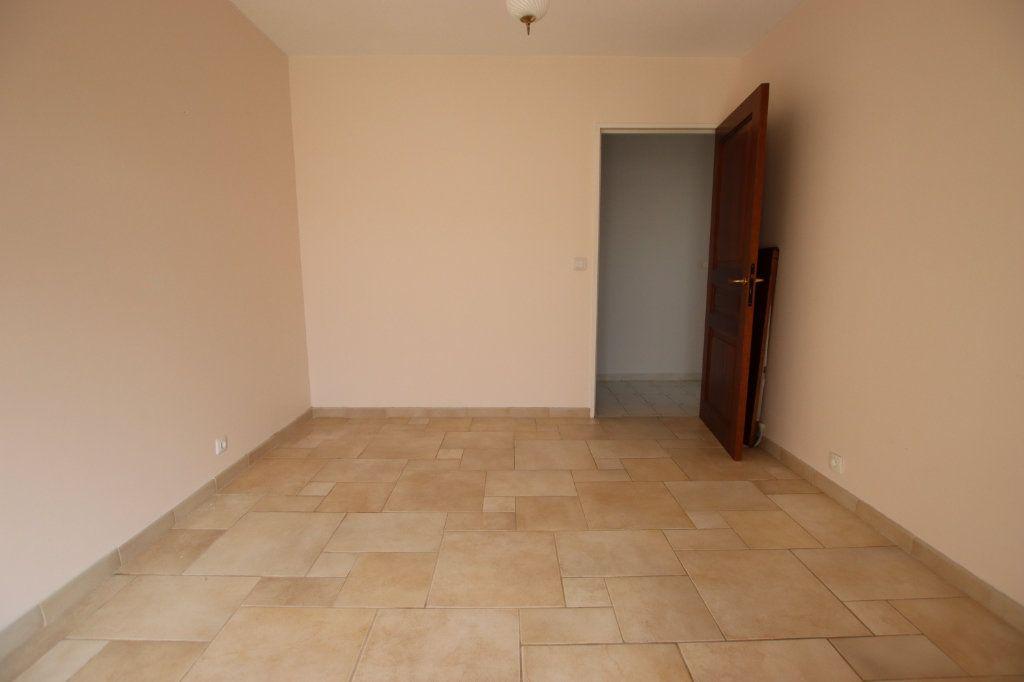 Appartement à vendre 5 131m2 à Nice vignette-11