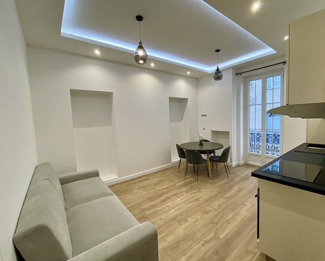 Appartement à vendre 3 49m2 à Nice vignette-3