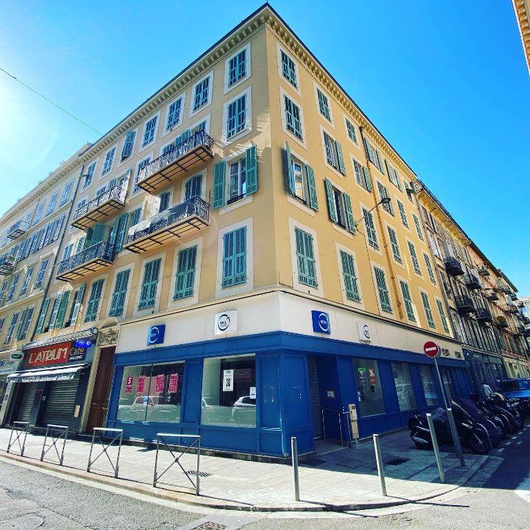 Appartement à vendre 7 137m2 à Nice vignette-1