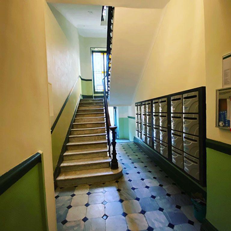 Appartement à vendre 7 137m2 à Nice vignette-3