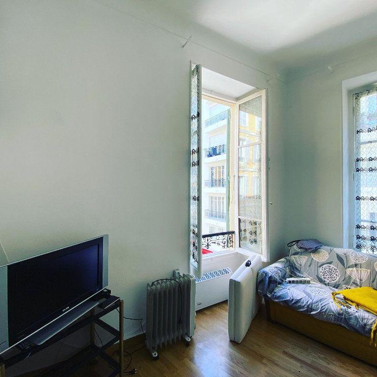 Appartement à vendre 7 137m2 à Nice vignette-5