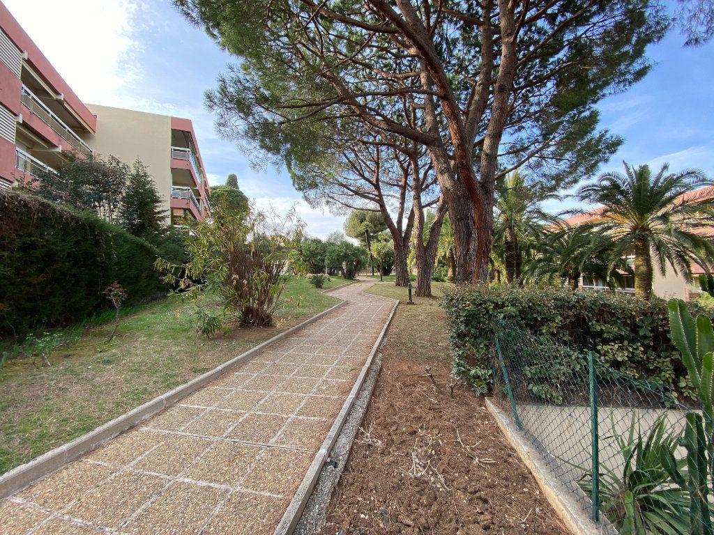 Appartement à vendre 2 36m2 à Nice vignette-3