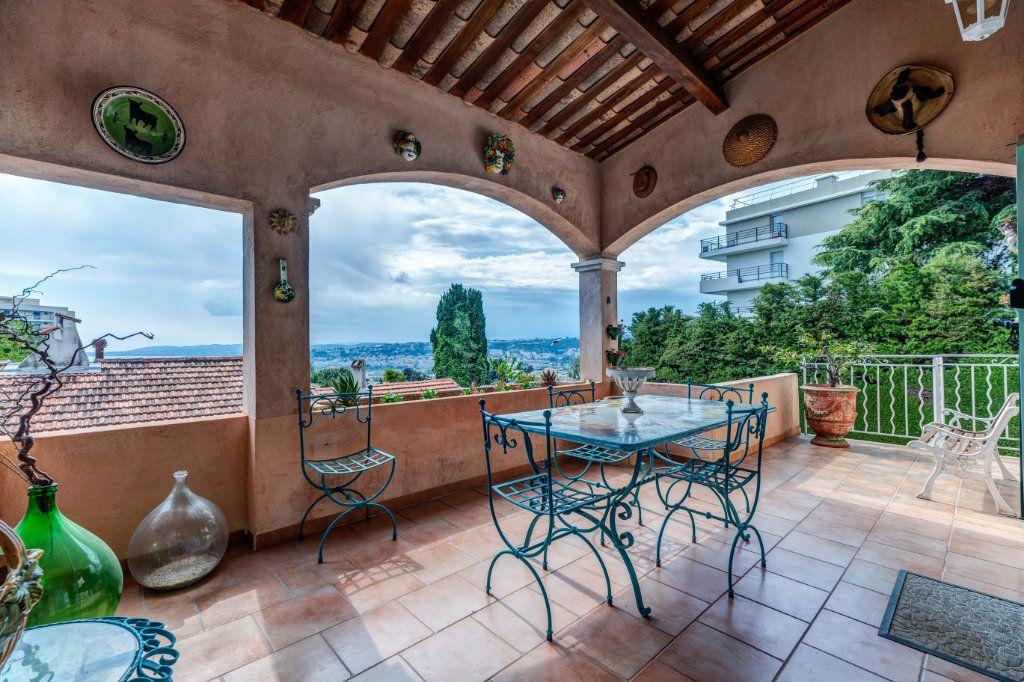 Maison à vendre 4 135m2 à Nice vignette-3