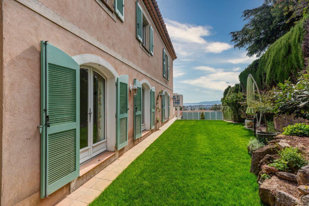 Maison à vendre 4 135m2 à Nice vignette-5