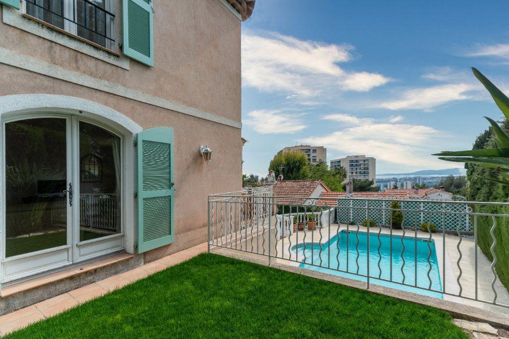 Maison à vendre 4 135m2 à Nice vignette-6