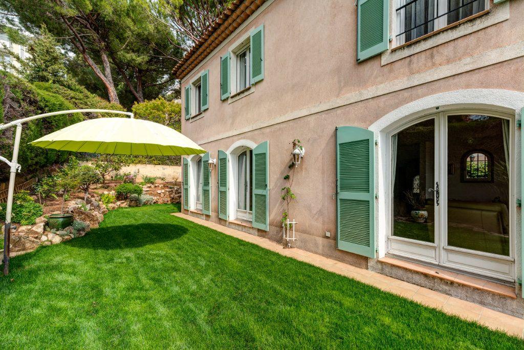 Maison à vendre 4 135m2 à Nice vignette-7