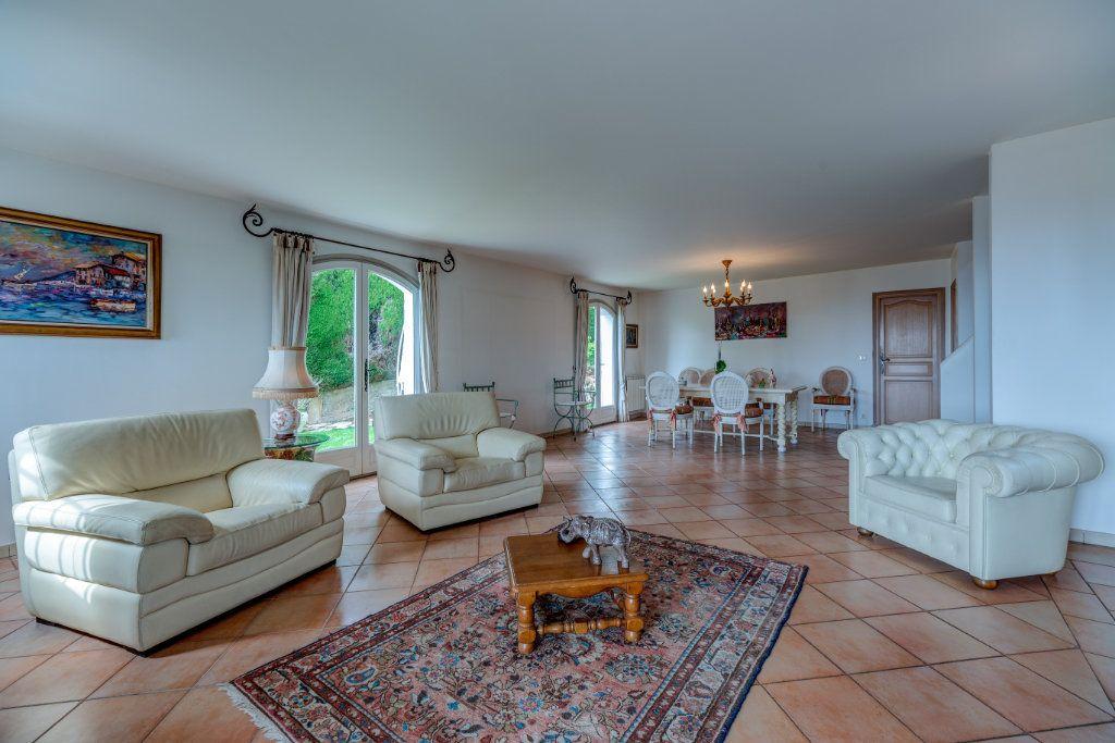 Maison à vendre 4 135m2 à Nice vignette-8