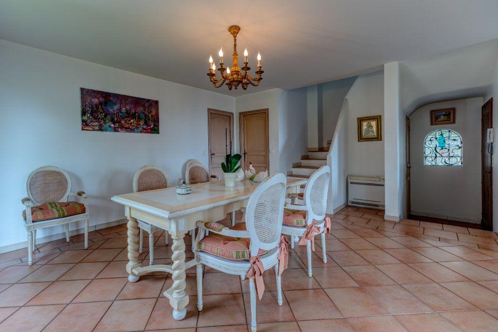 Maison à vendre 4 135m2 à Nice vignette-9
