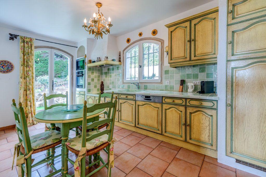 Maison à vendre 4 135m2 à Nice vignette-12
