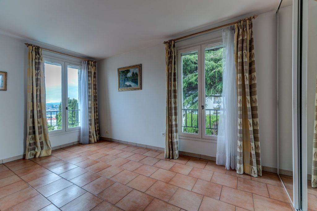 Maison à vendre 4 135m2 à Nice vignette-14