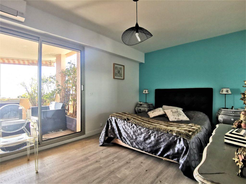 Appartement à vendre 4 100m2 à Nice vignette-4