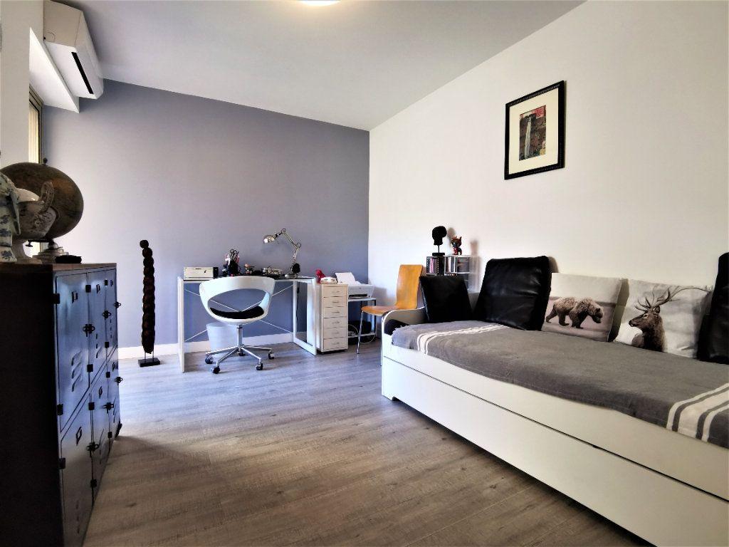 Appartement à vendre 4 100m2 à Nice vignette-5