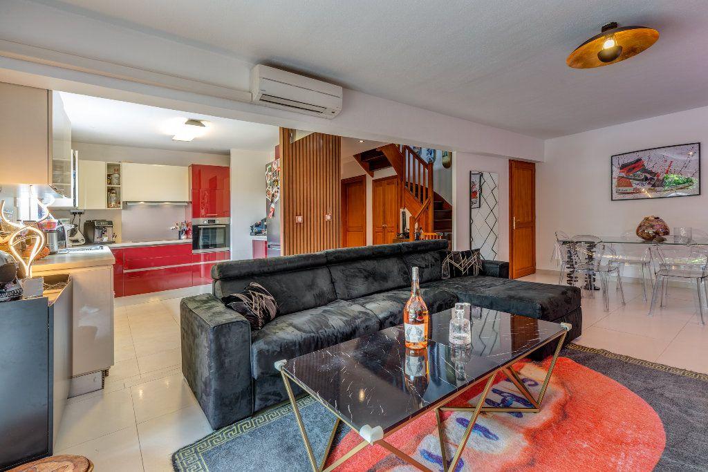 Appartement à vendre 4 117m2 à Nice vignette-5