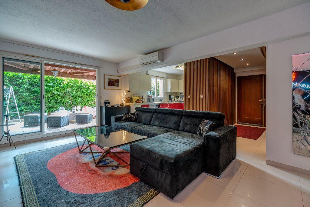Appartement à vendre 4 117m2 à Nice vignette-6