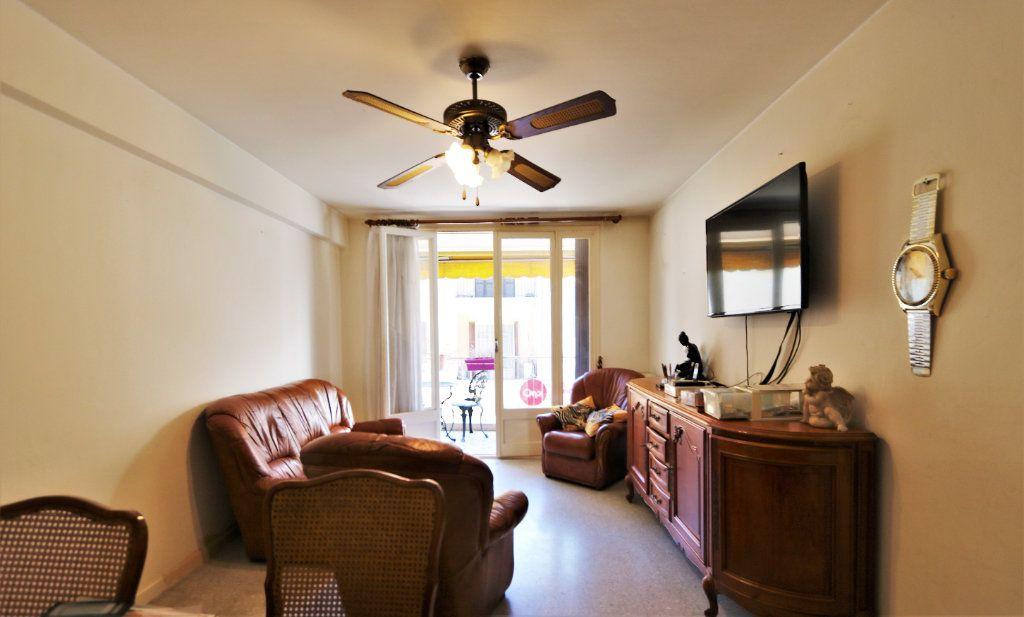 Appartement à vendre 3 63.4m2 à Cagnes-sur-Mer vignette-3