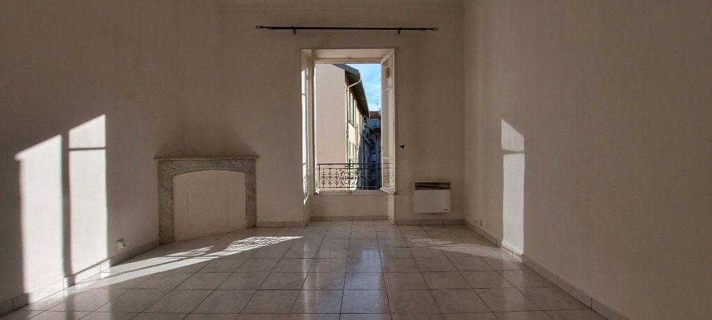 Appartement à louer 1 23m2 à Nice vignette-2