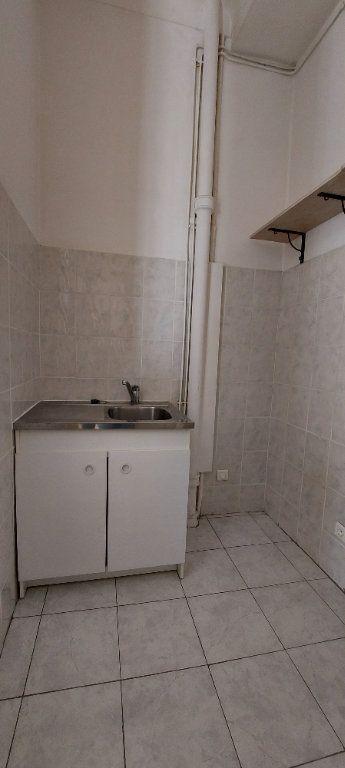 Appartement à louer 1 23m2 à Nice vignette-4