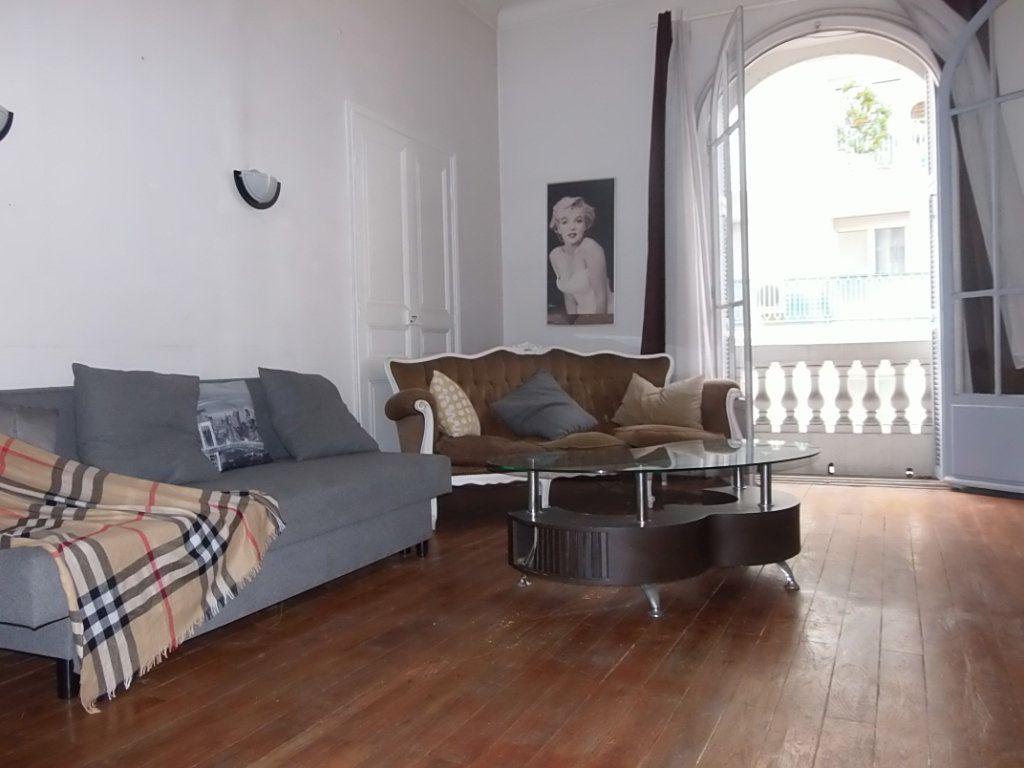 Appartement à louer 2 62m2 à Nice vignette-1