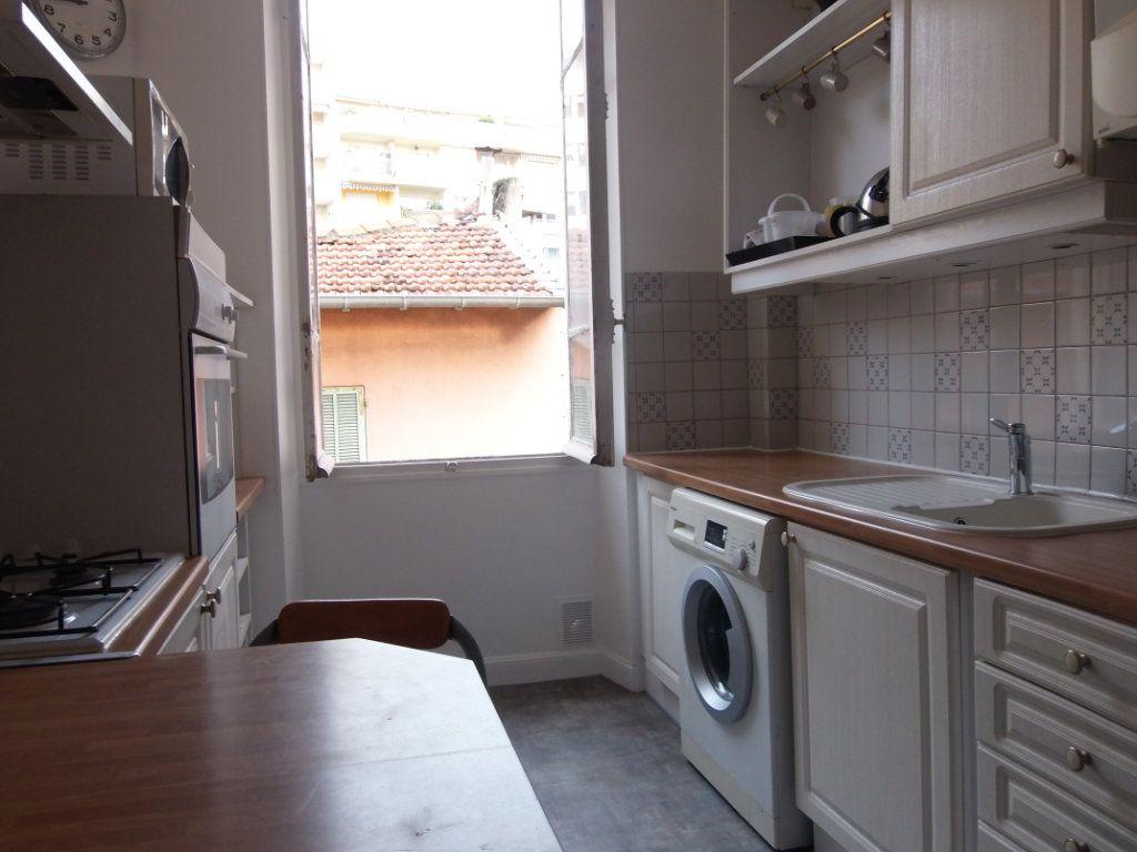 Appartement à louer 2 62m2 à Nice vignette-3