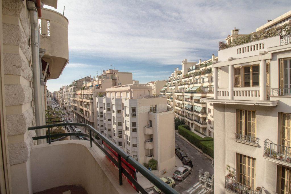Appartement à louer 2 65m2 à Nice vignette-1