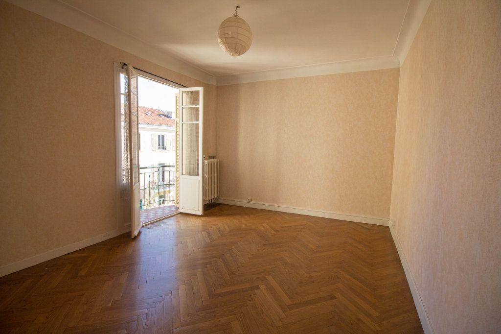 Appartement à louer 2 65m2 à Nice vignette-2