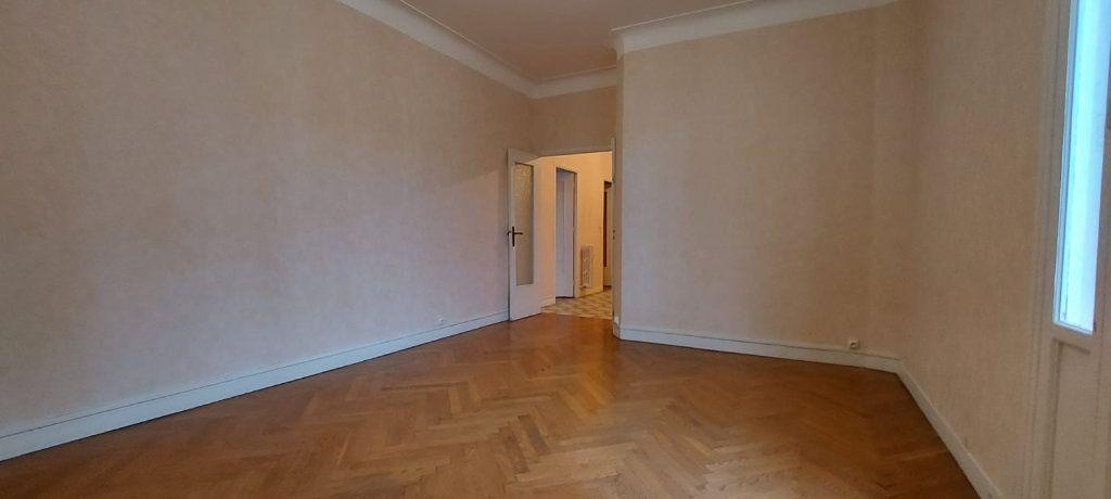 Appartement à louer 2 65m2 à Nice vignette-3