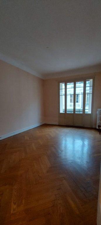 Appartement à louer 2 65m2 à Nice vignette-5