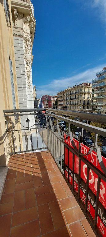 Appartement à louer 3 100m2 à Nice vignette-5