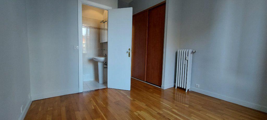 Appartement à louer 3 100m2 à Nice vignette-8