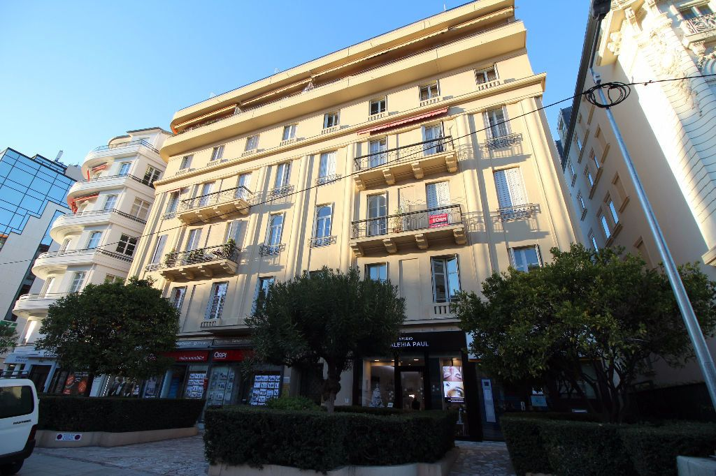 Appartement à louer 3 100m2 à Nice vignette-12