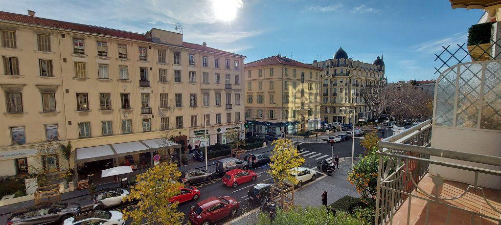 Appartement à louer 3 100m2 à Nice vignette-13