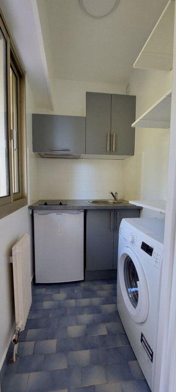 Appartement à louer 1 23m2 à Nice vignette-6