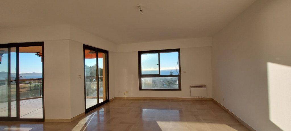 Appartement à louer 4 109m2 à Nice vignette-6
