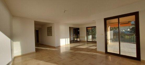 Appartement à louer 4 109m2 à Nice vignette-7