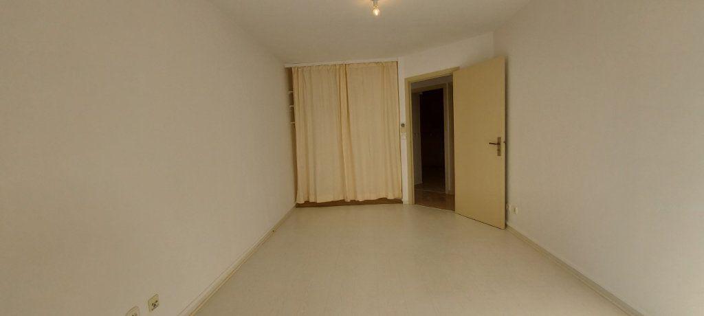 Appartement à louer 4 109m2 à Nice vignette-12