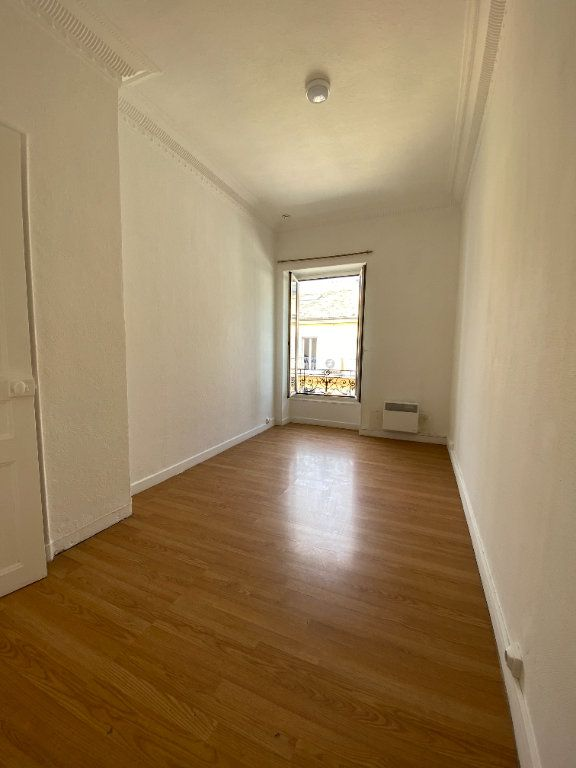 Appartement à louer 2 38m2 à Nice vignette-2