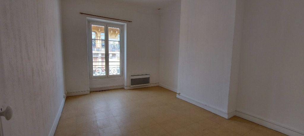 Appartement à louer 2 38m2 à Nice vignette-3