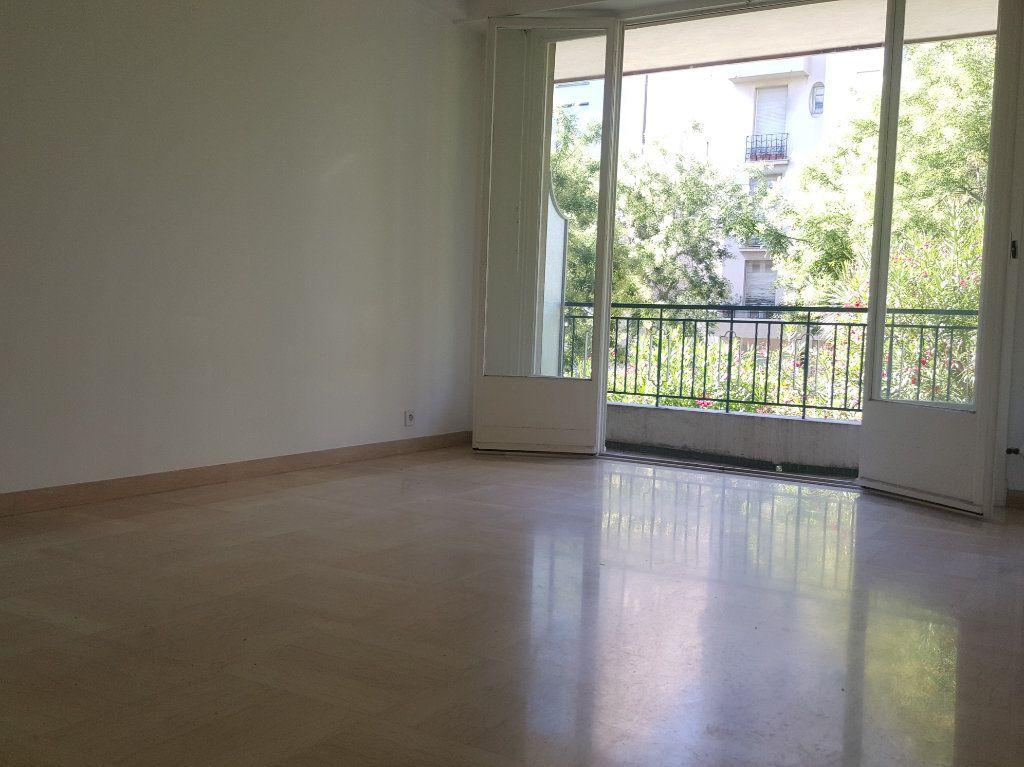 Appartement à louer 1 38m2 à Nice vignette-2