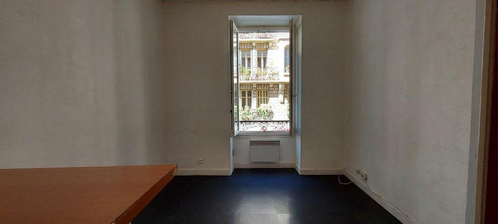 Appartement à louer 2 29m2 à Nice vignette-1