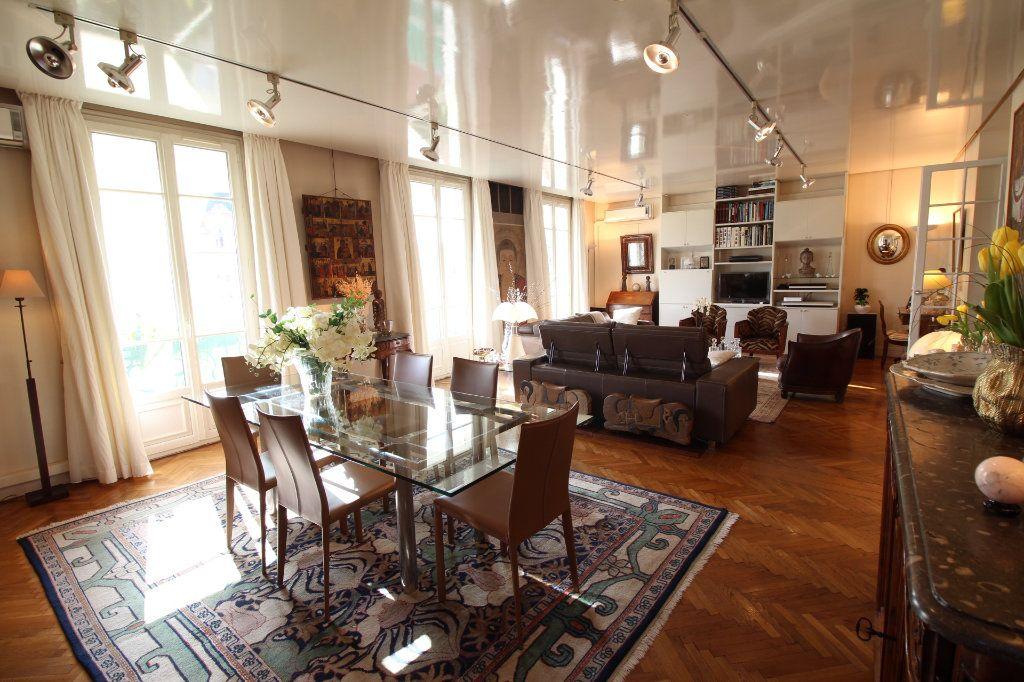 Appartement à vendre 7 230m2 à Nice vignette-2
