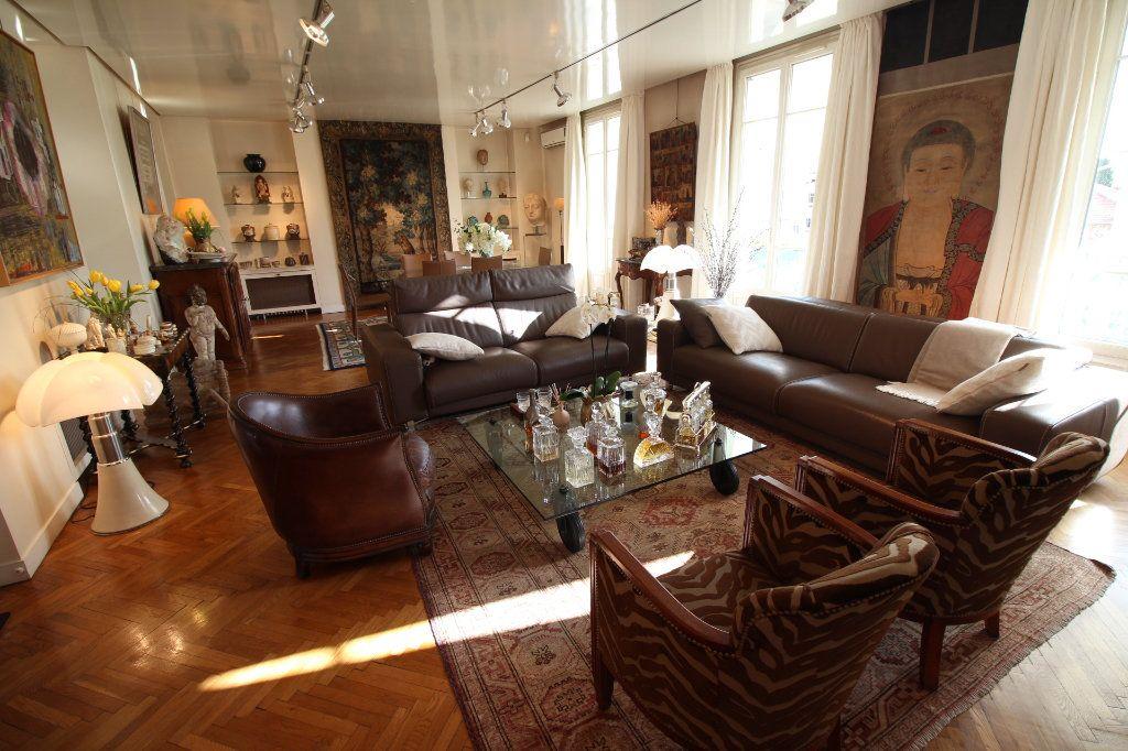 Appartement à vendre 7 230m2 à Nice vignette-3